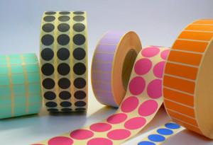 farebné etikety
